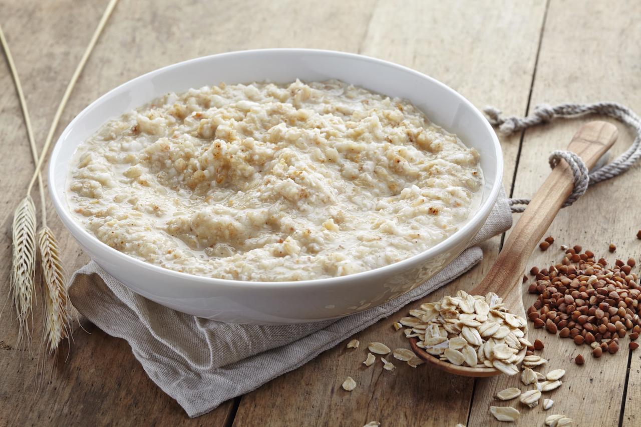 Bananen-Himbeer-Porridge