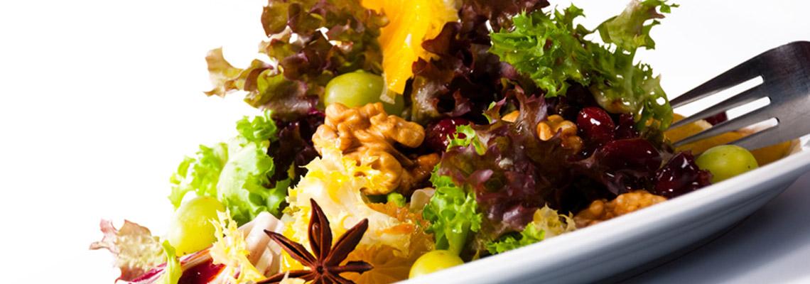 Gebraten: Kürbisspalten zu Herbstsalat