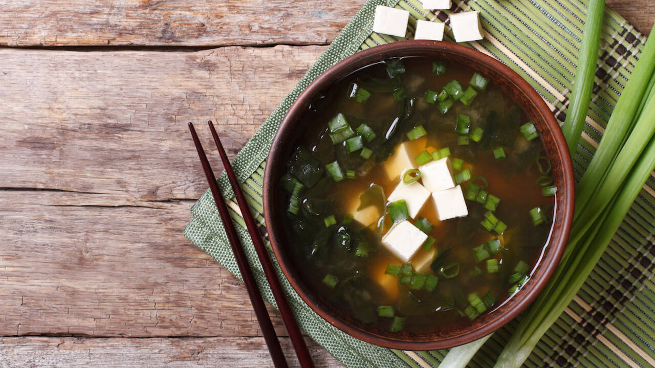 Miso-Suppe mit Sobanudeln