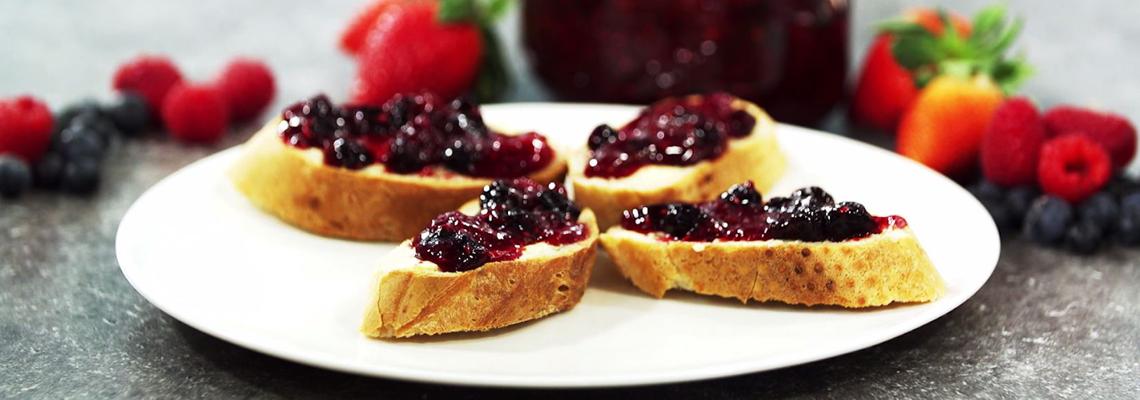Beeren-Kräuter-Marmelade