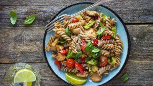 Meal Prep Pasta und Huhn