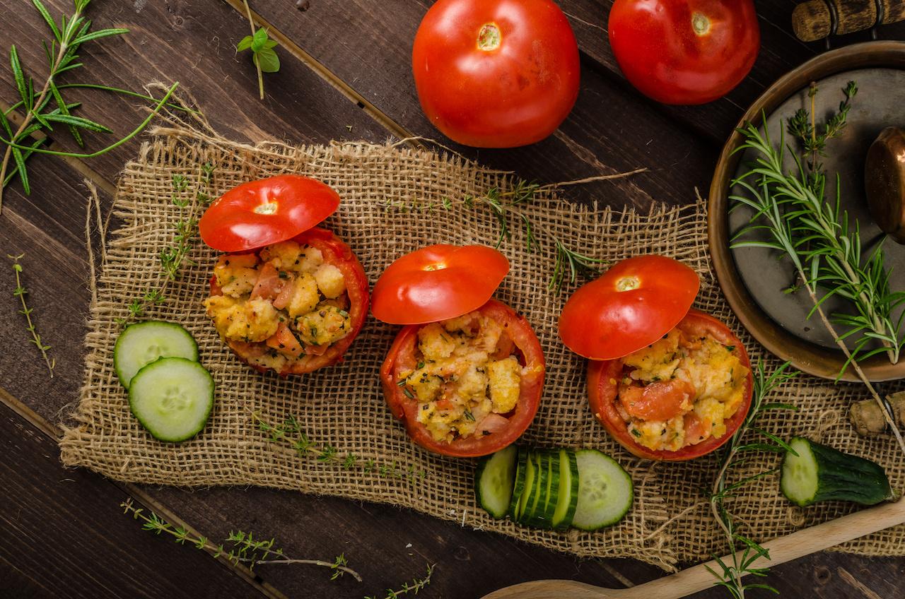 Grilltomaten mit Zucchini-Füllung