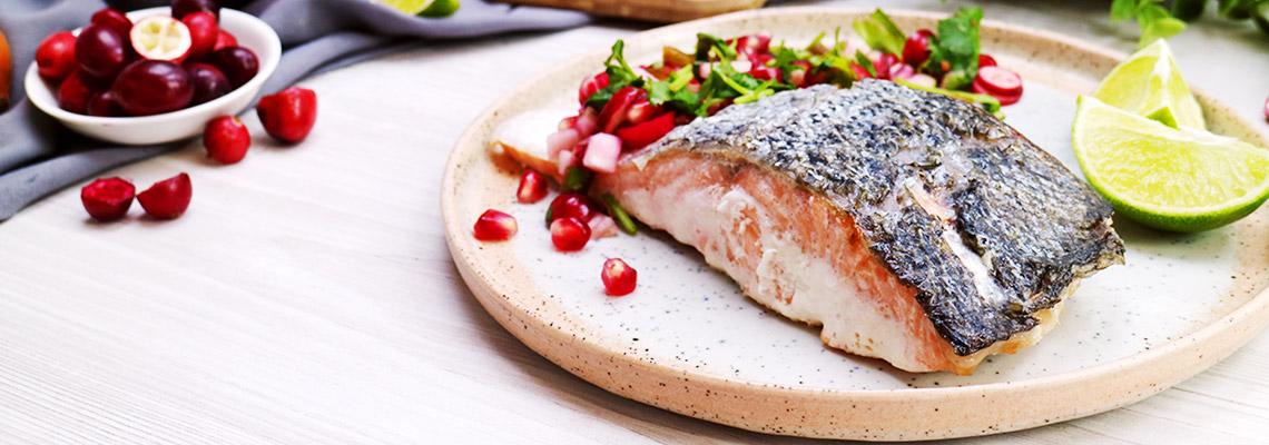 Gebratener Lachs mit fruchtiger Salsa