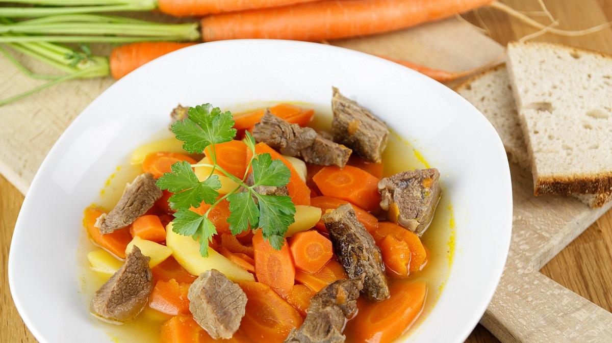 Möhreneintopf mit Rind & Schwein