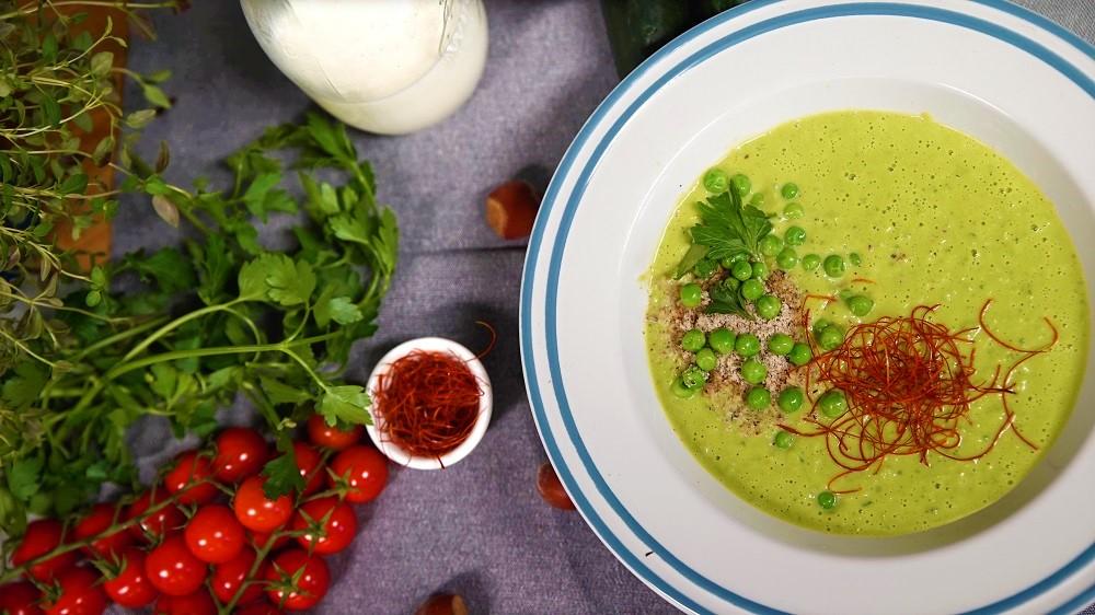 Erbsensuppe mit Zucchini