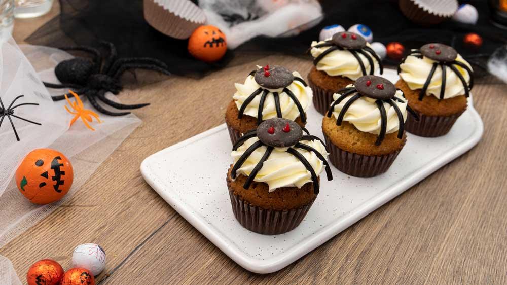 Gruselige Spinnen-Cupcakes