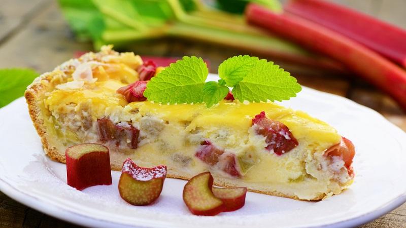 Rhabarberkuchen mit Vanillecreme