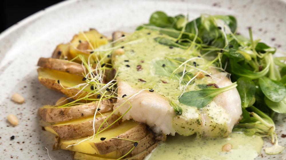 Seelachs im Ofen mit grüner Sauce | Das schnelle Rezept