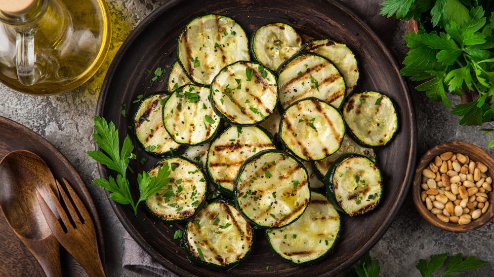 Vegetarisch: Zucchini grillen